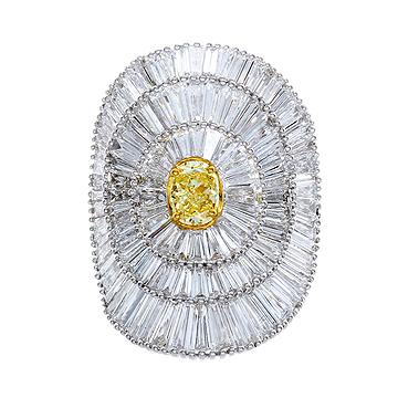 Gregg Ruth Diamond Ring with Yellow Diamond Center