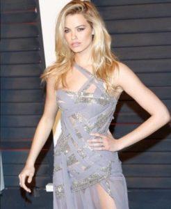 Hailey Clauson wearing Norman Silverman Diamonds at the Vanity Fair Oscar party