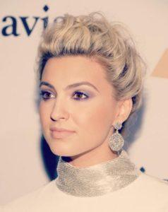 Tori Kelly wearing Kwiat Diamond earrings to the Pre Grammy Party